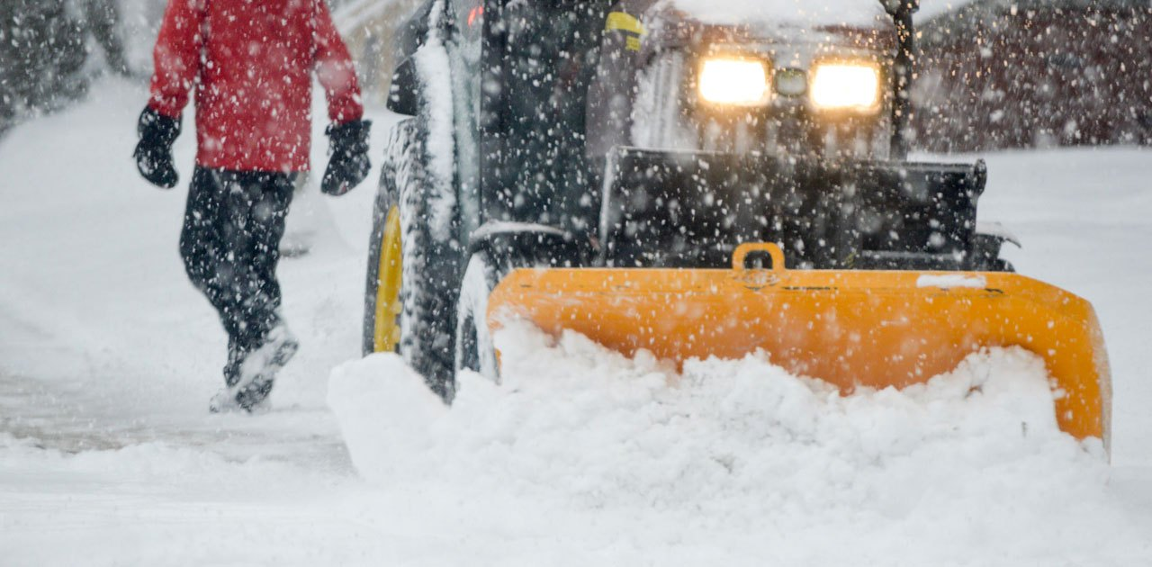 SNOW REMOVAL SERVICE CAN EASE WINTER BURDEN